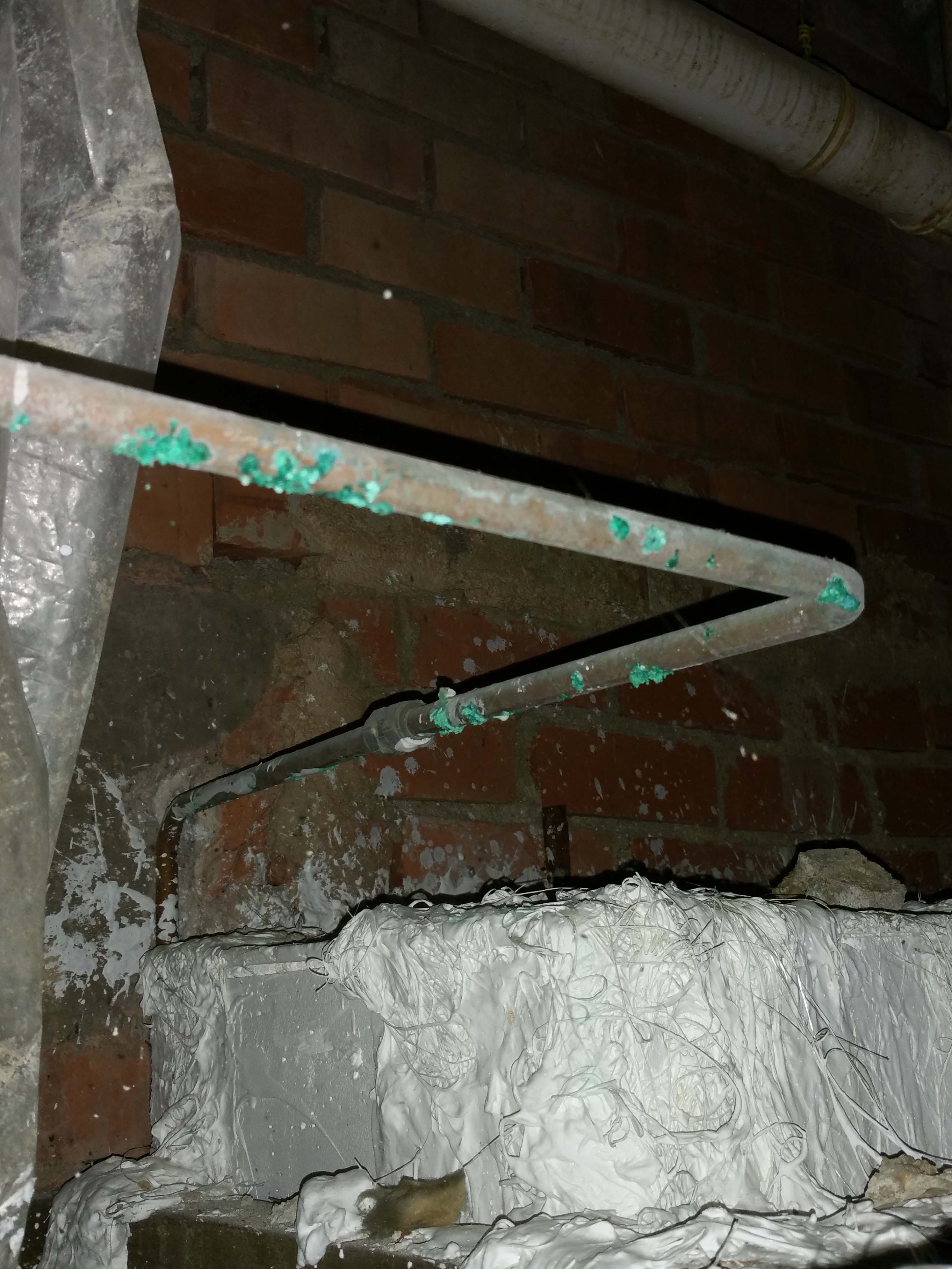 22. copper pipe corrosion. ceiling damaged..jpg